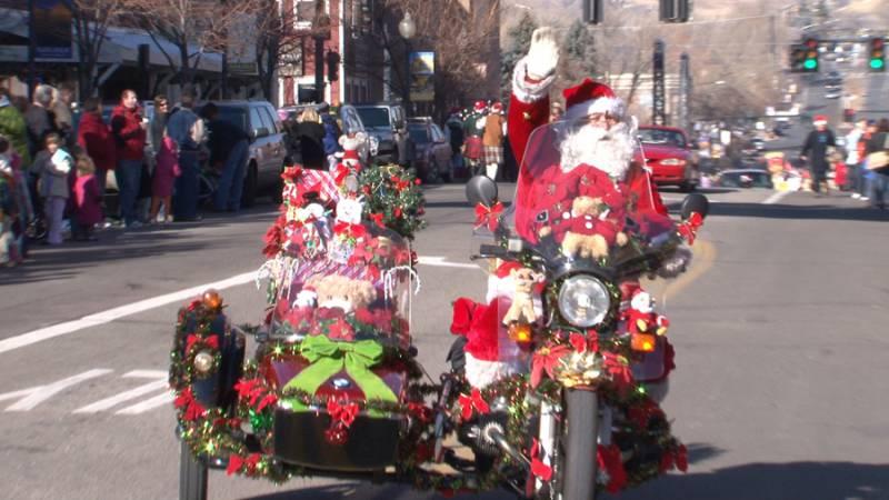 Olde Golden Christmas Parade