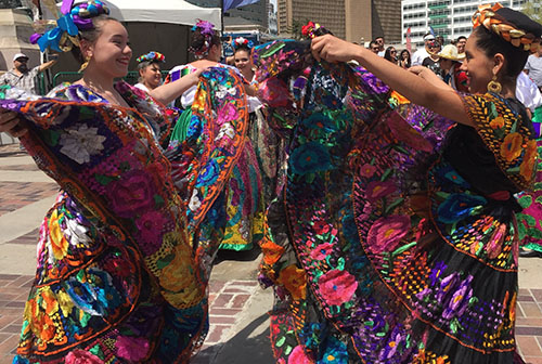 Fiesta Colorado dancers
