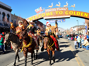 Olde Golden Christmas on Parade