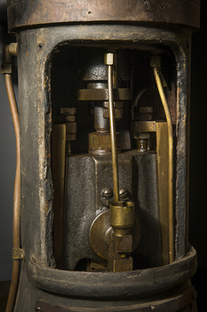 Inner workings of a 100-year-old steam engine by Scott Dressel-Martin